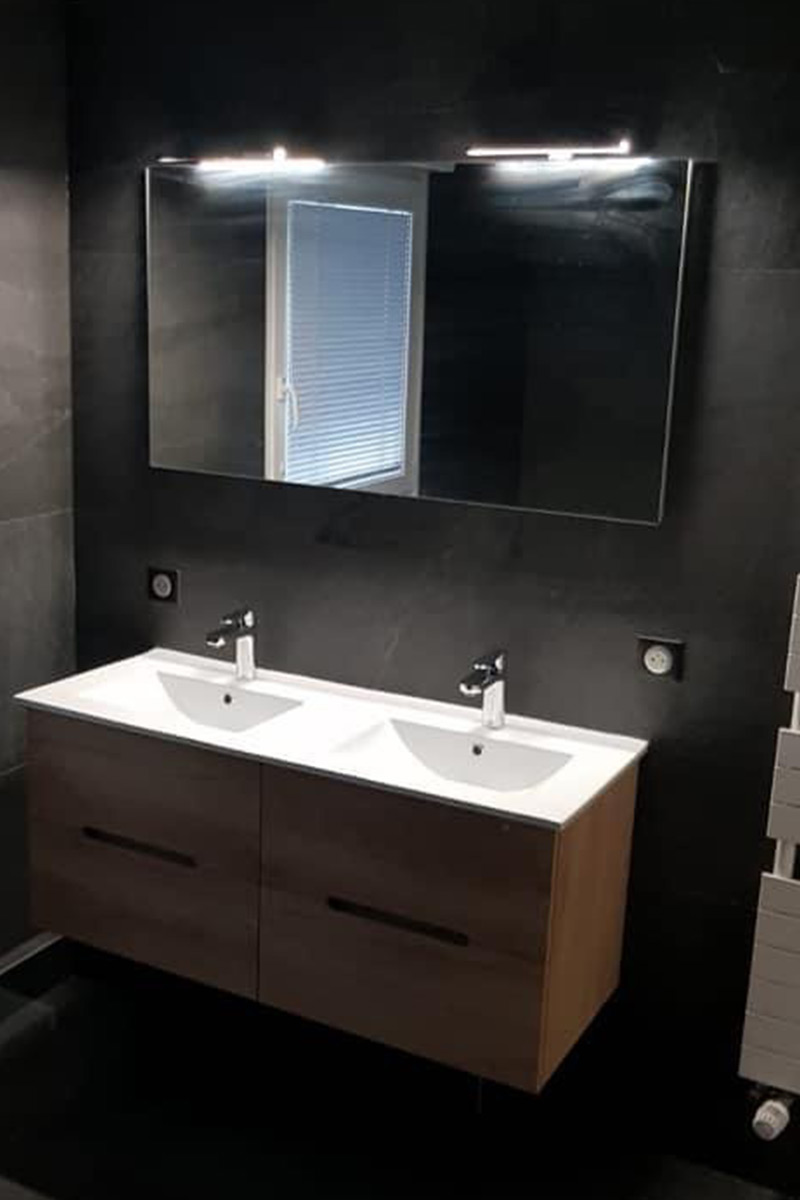 Salle de bain noire - vasque