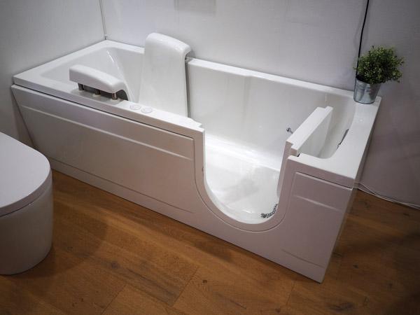 baignoire PMR avec porte